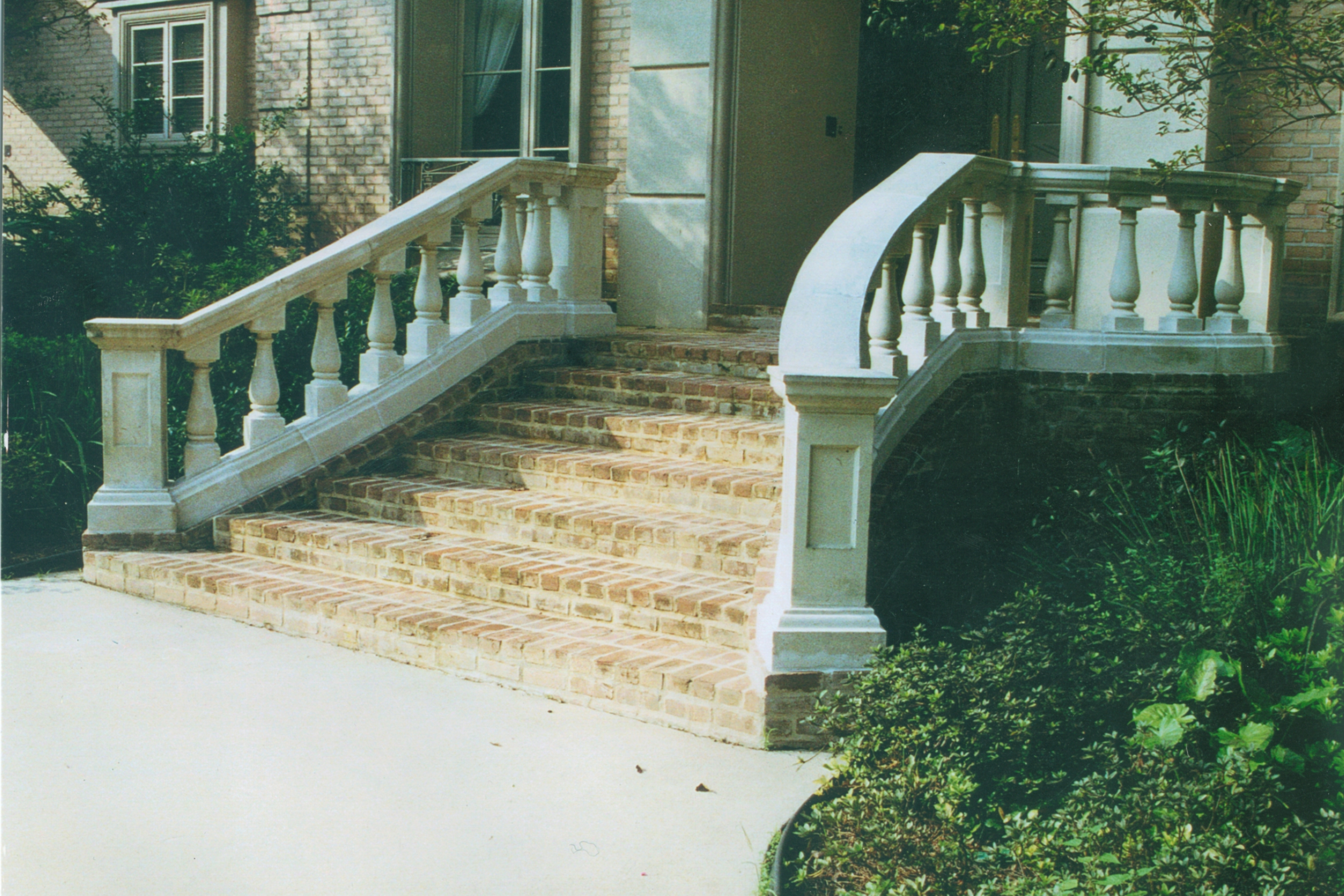 Cast stone Balustrades-Grand B-010