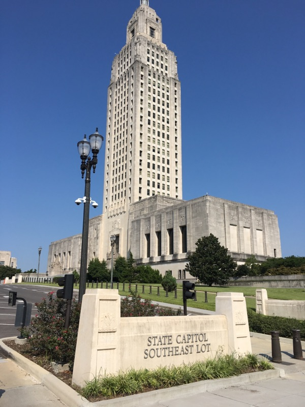 Pre Cast Sign-Louisiana State Capitol S-008