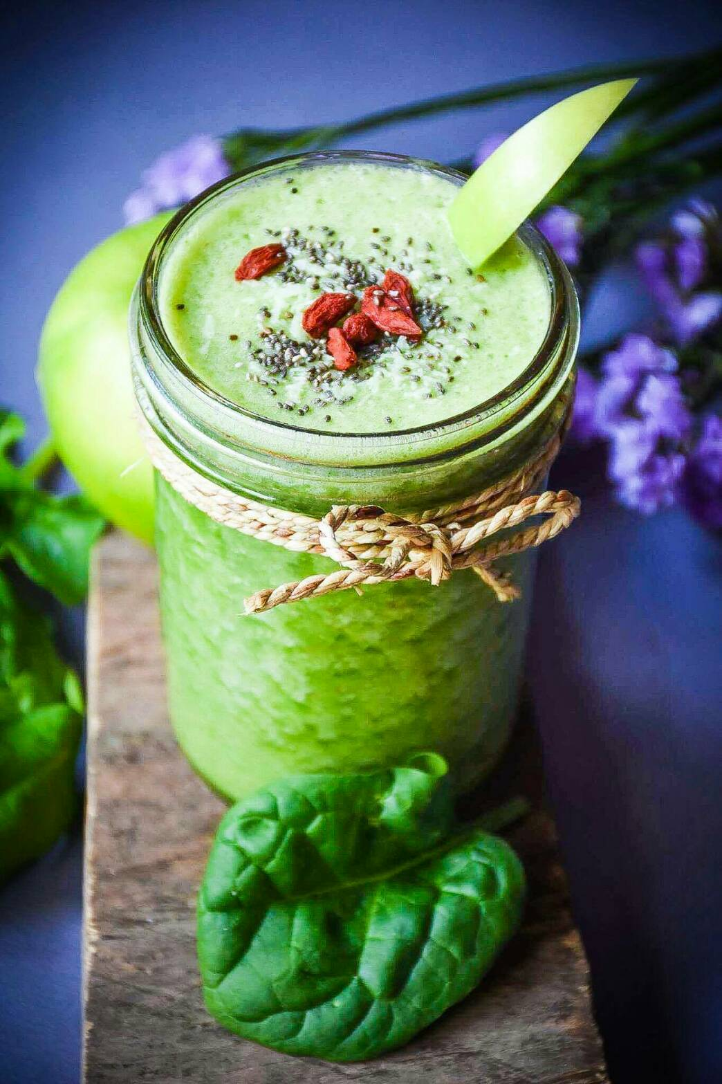 SUPER GREEN CLEANSING   Baby Spinach, Organic Banana, Organic Pineapple, Green Apple,  Organic Coconut Water   140 THB
