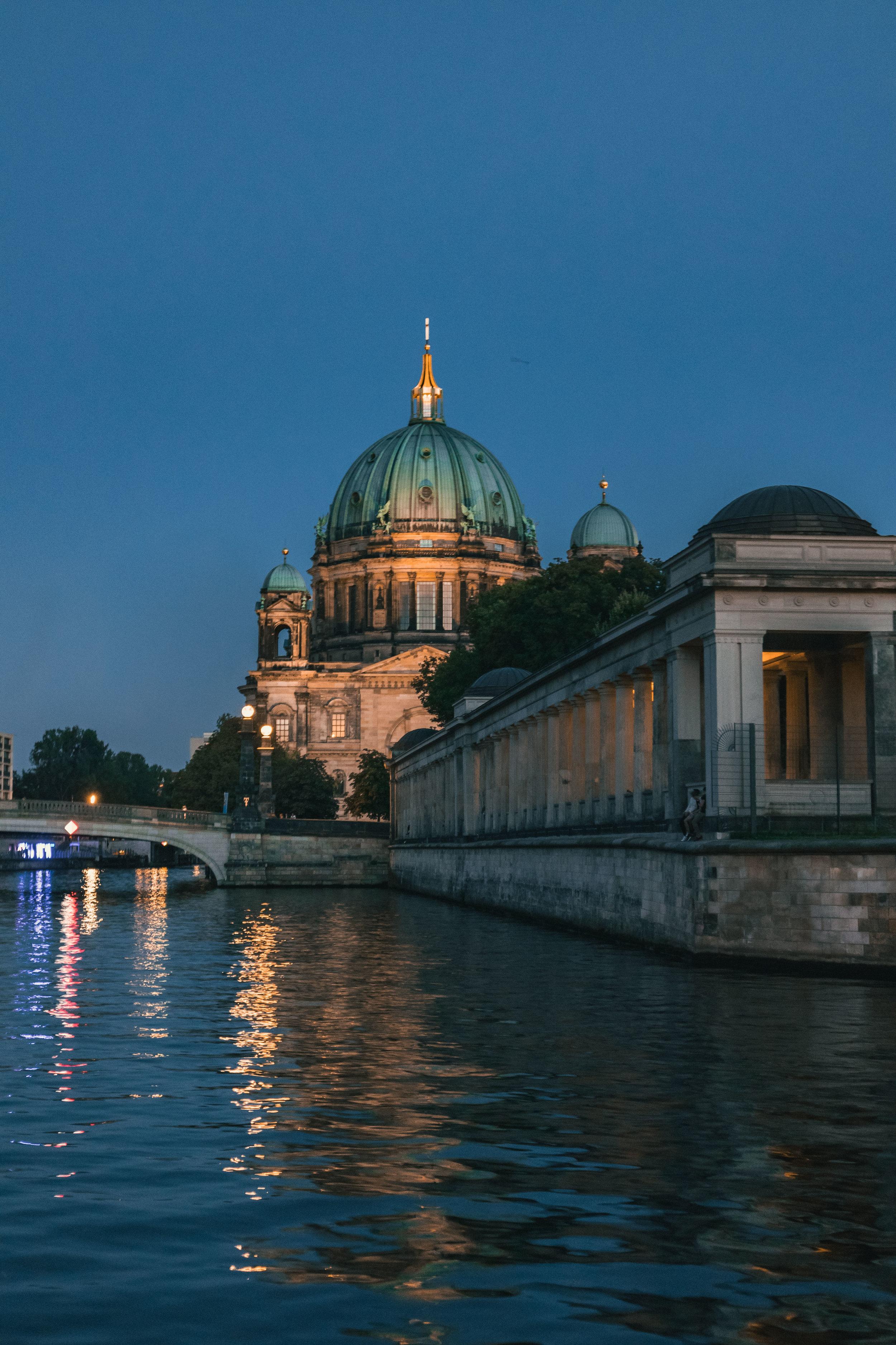 BERLIN-2037.JPG