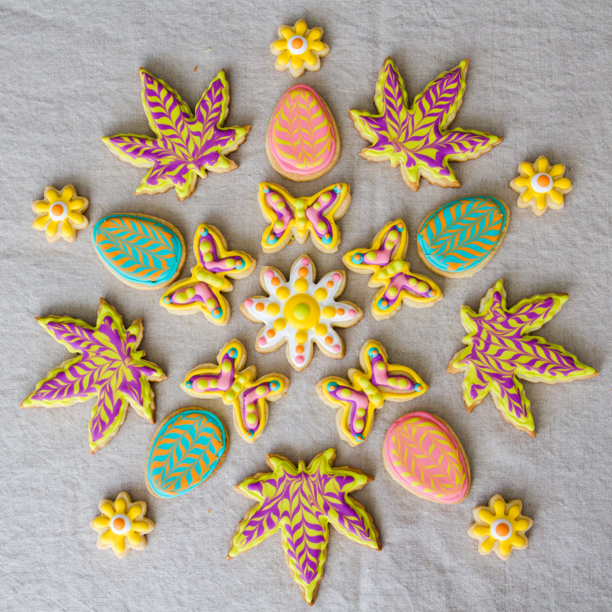 cookies_pot leaf mandala.jpg