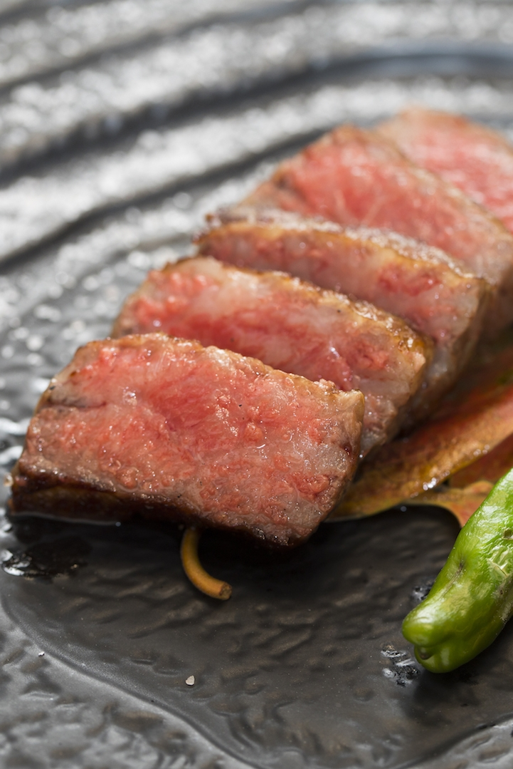 Charcoal grilled Ozaki beef BMS 12.JPG