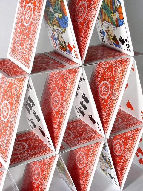 house-of-cards-719701_640.jpg