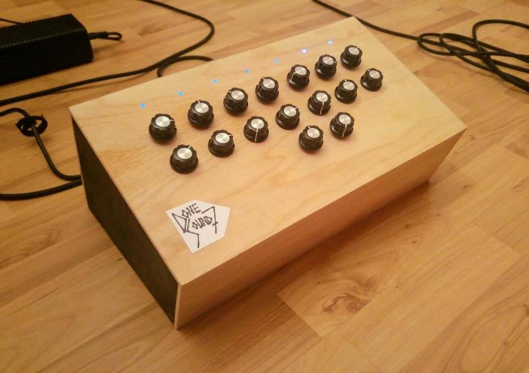 Pascal Matejka's 7 drone oscillator box