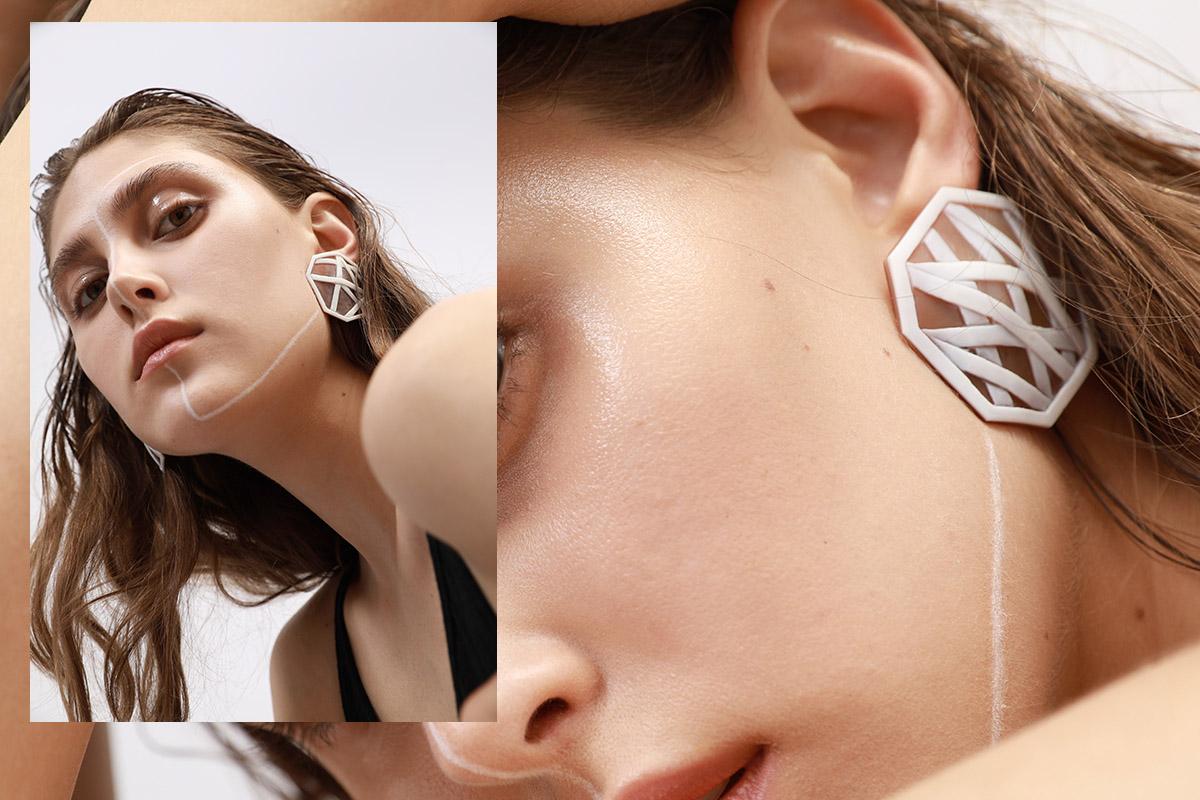 MONO EARRING -