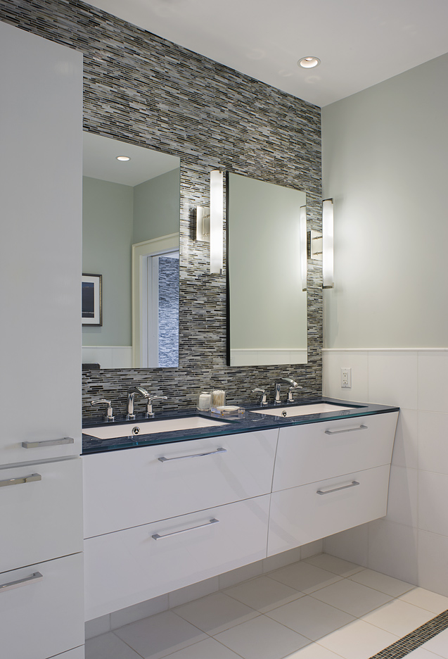 MIF2516bathroom.jpg