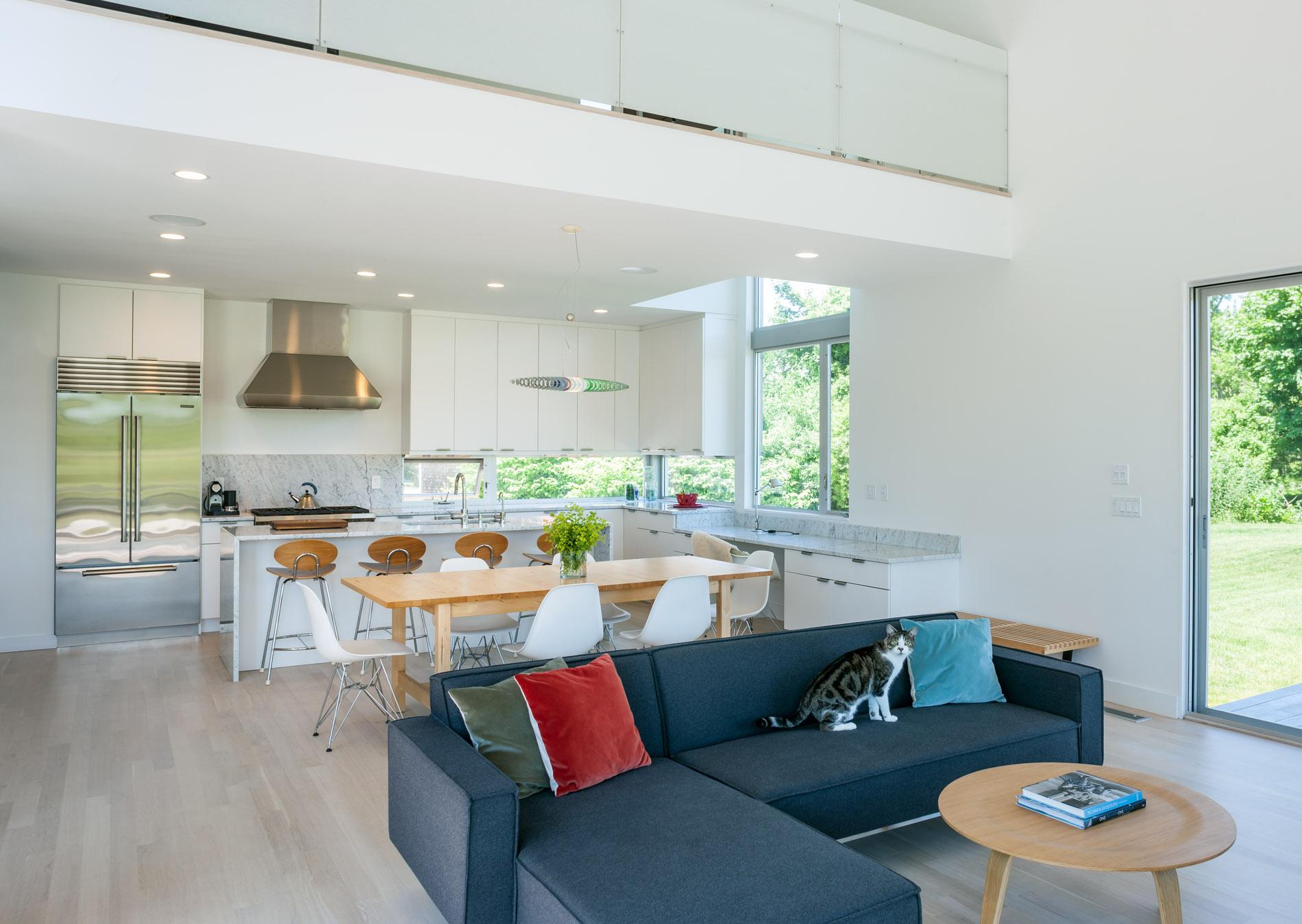 MIF3009_great_rm+kitchen.jpg