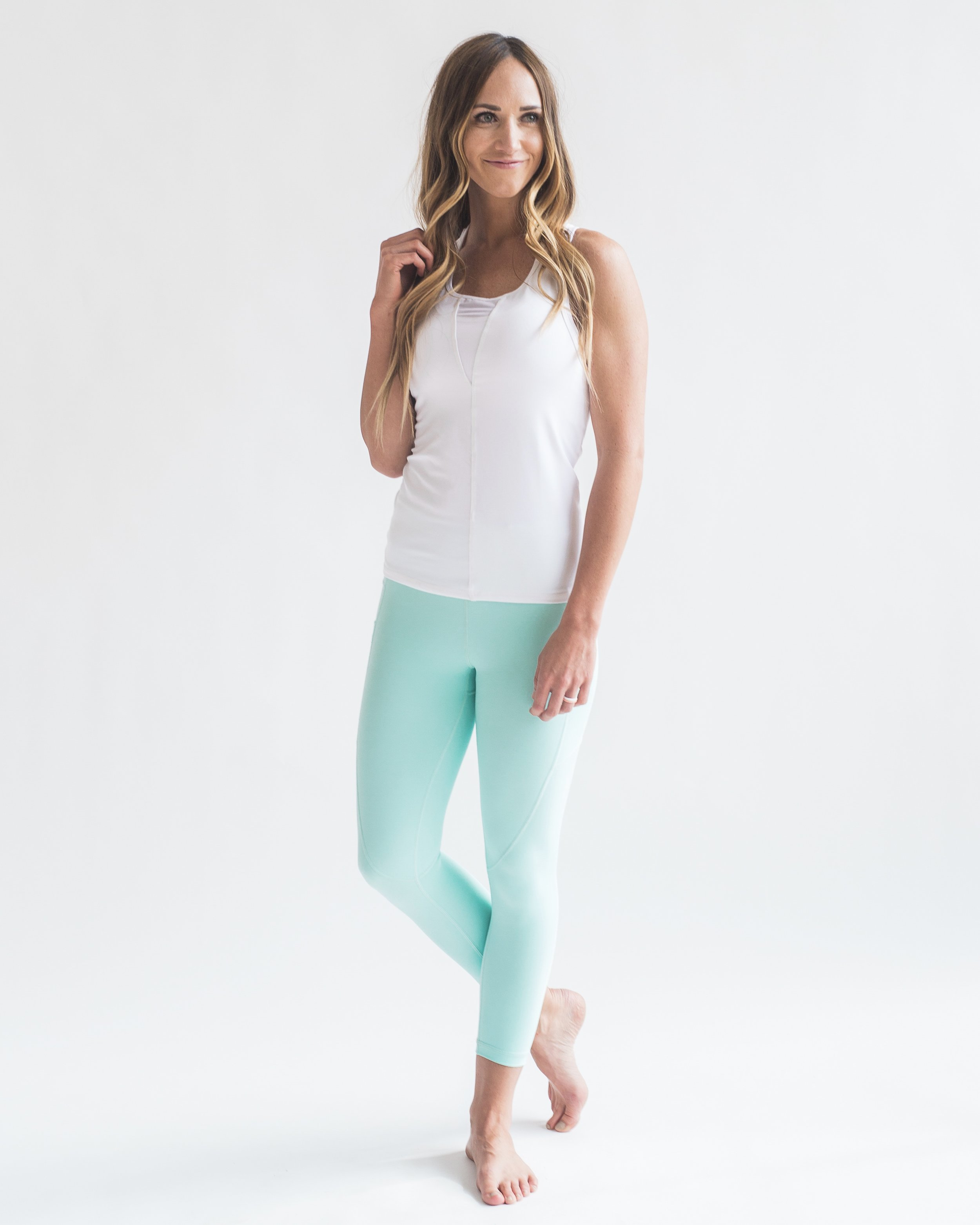 1638-White_Effortless_Tank-front.jpg
