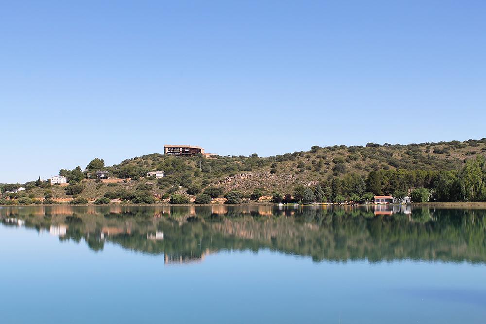 STOR VARIASJON: Området og landskapet er svært variert i den store naturparken. Foto: Hedda Bjerén