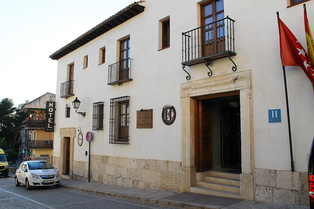 HOTEL CONDESA DE CHINCHON: Et helt greit hotell, som ligger sentralt til. Foto: Tenk Koffert