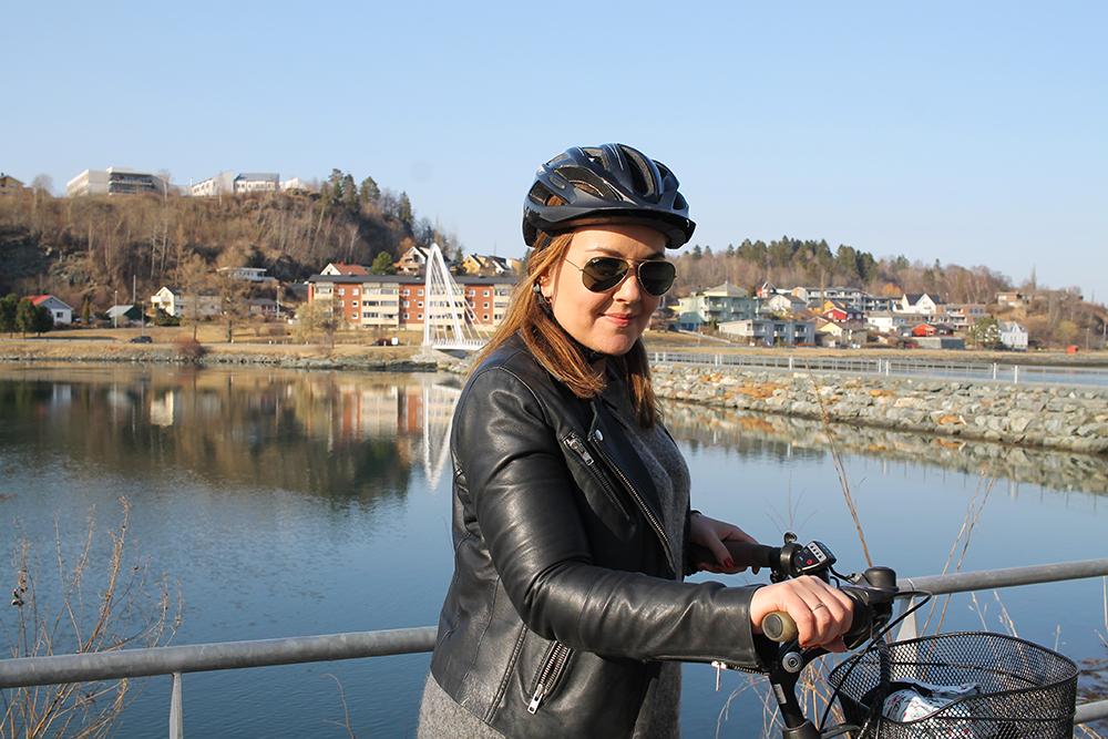 TENK KOFFERT I LEVANGER: Her er jeg i Levanger - riktignok på sykkeltur og ikke på vandring. Foto: Kathrine Kragøe Skjelvan
