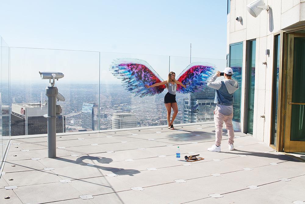 ENGLENES BY: Det florerer av instavennlige steder i LA! Her er ett av dem, takterrassen på US Bank Tower. Foto: Hedda Bjerén