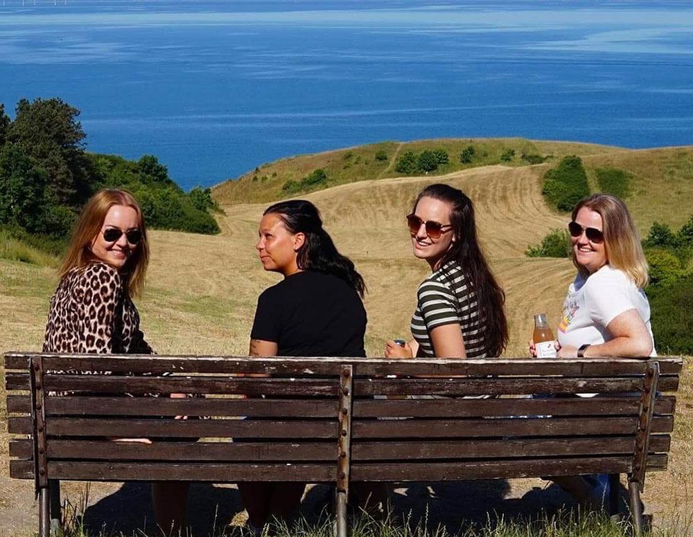 BALLEBJERG: Jeg besøkte Djursland i forbindelse med en pressetur. Jeg reiste sammen med  Jeanett Mari ,  Trine  og  Annette . Foto: Tenk Koffert