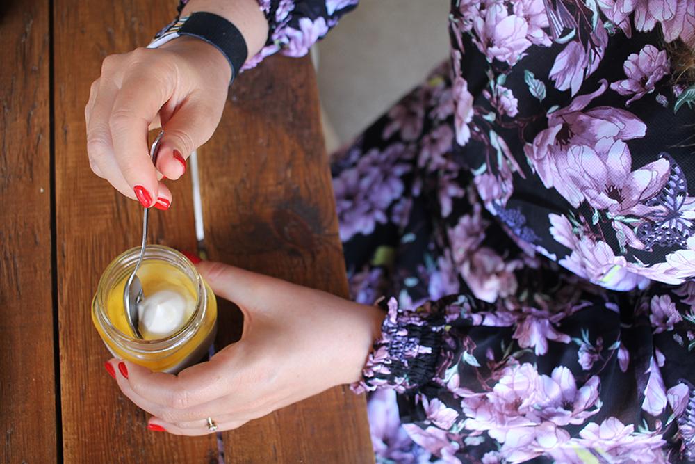GRESK FROKOST: Gresk yoghurt smaker aller best i «grekenland»! Foto: Agneta Soleim