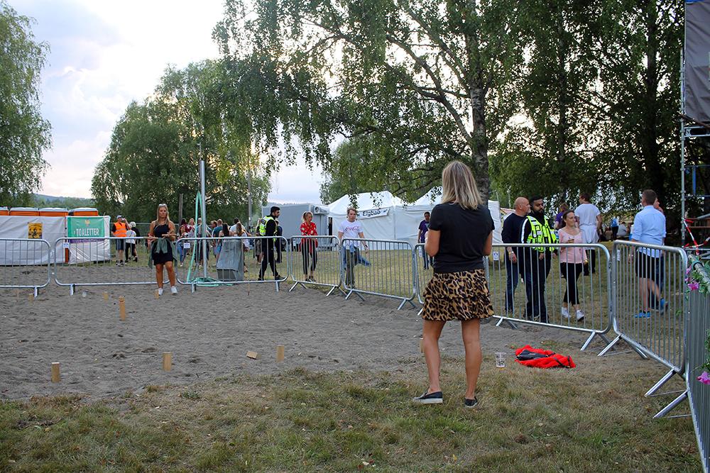 NEBBENFEST: Det er leker og rekreasjonsavdelinger inne på festivalområdet, så her er det noe å finne på hele dagen. Foto: Tenk Koffert