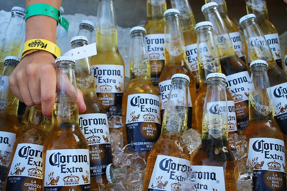 NEBBENFEST: Det skal ikke være nødvendig å tørste på denne festivalen … Foto: Tenk Koffert