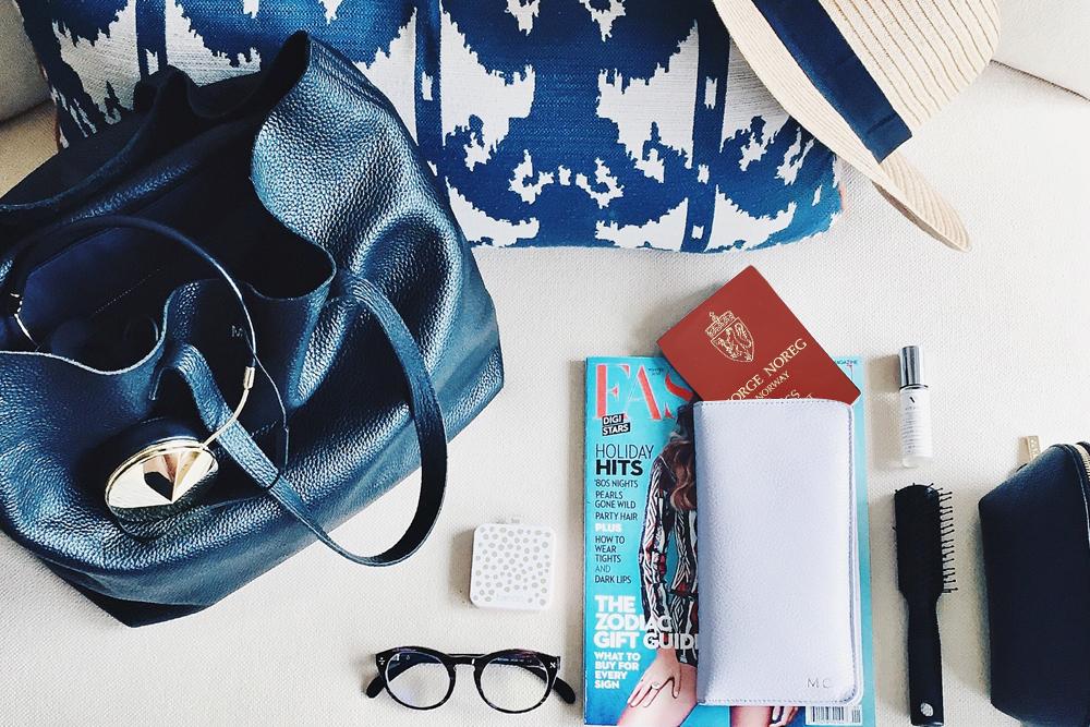 HÅNDBAGASJEN: Du skal reise og er stresset. Åh, hva var det du skulle ha i håndbagasjen igjen? Her er svarene. Foto: Unsplash