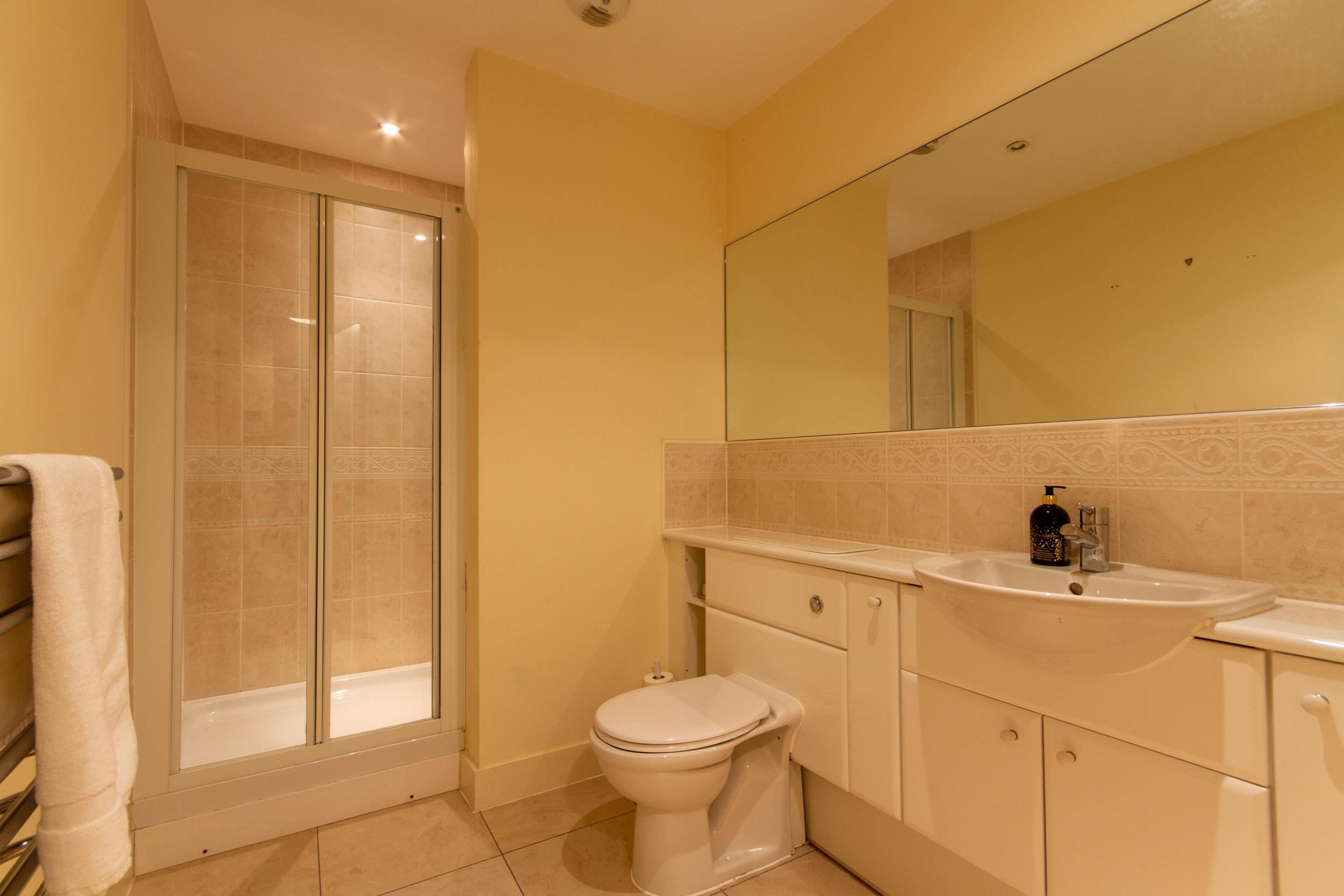bathroom16mso.jpg