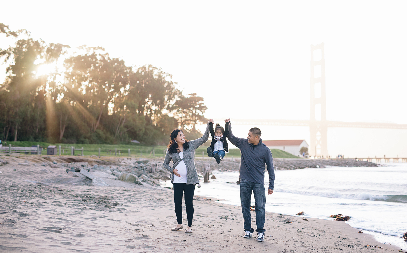 golden-gate-bridge-sunset-family-photography