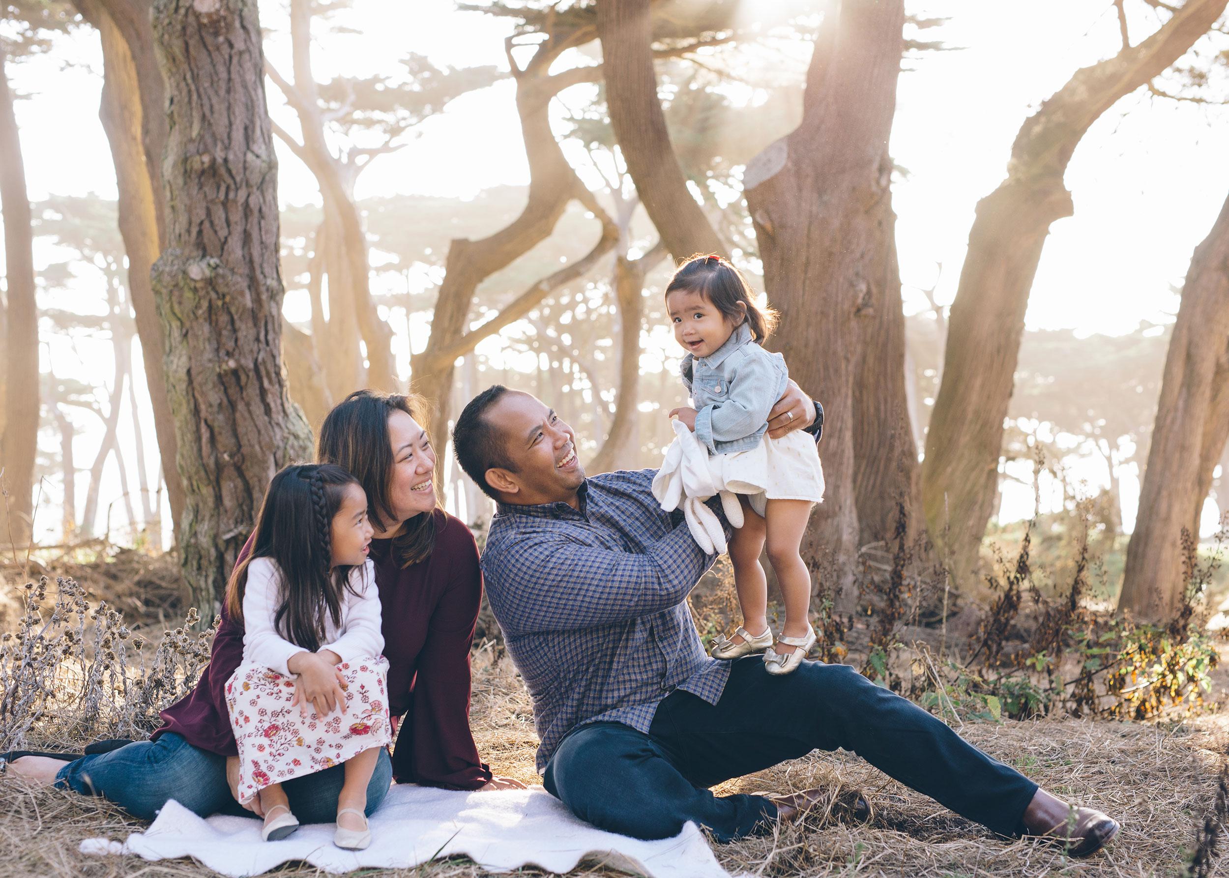 family-session-in-san-francisco-lands-end-3.jpg