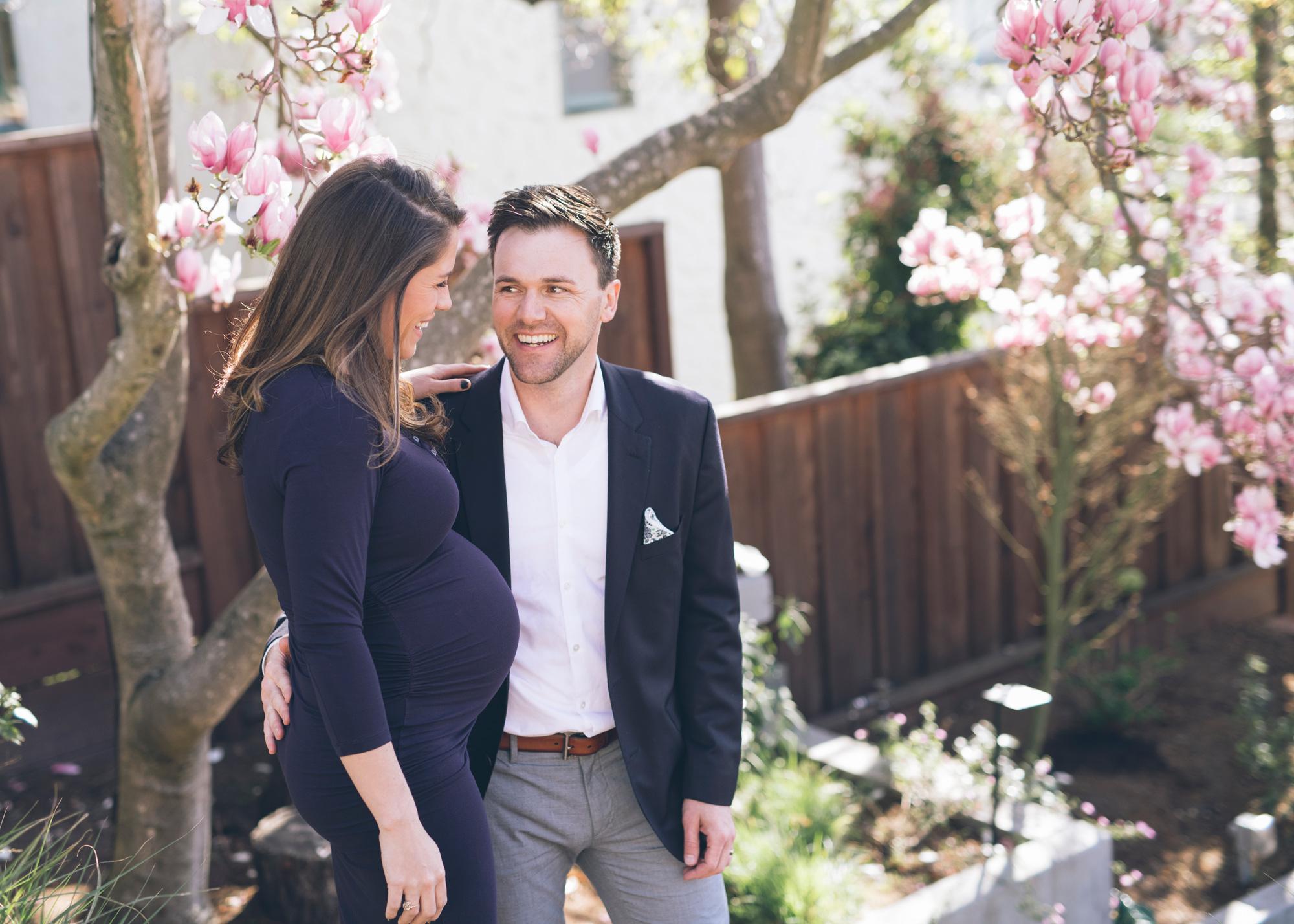backyard-maternity-photo-of-a-beautiful-expectant-couple.jpg