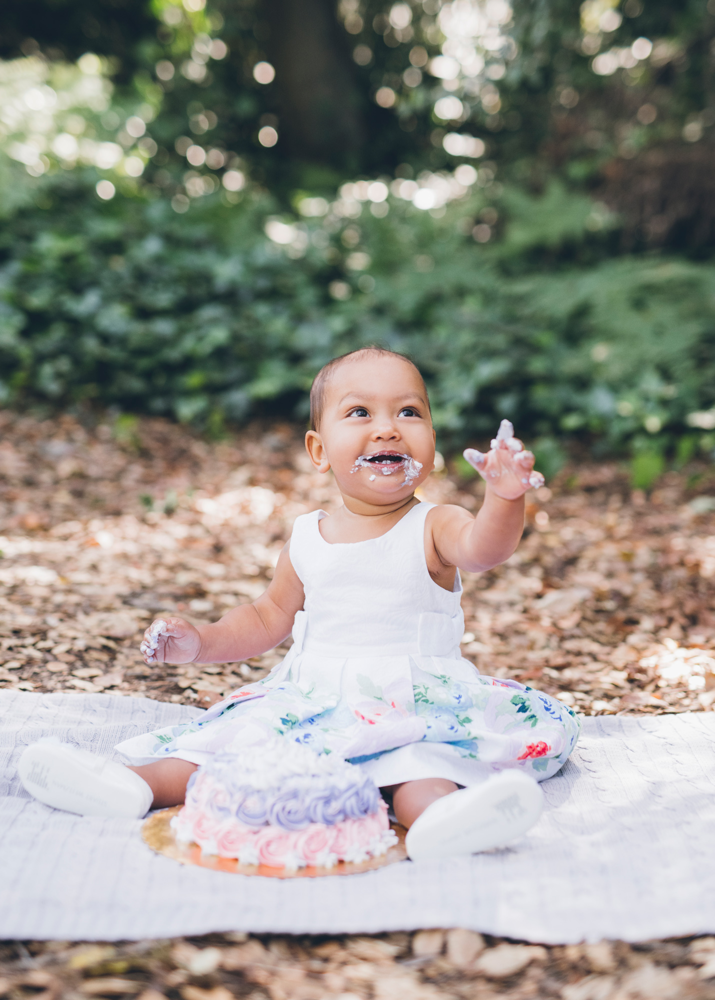 cake-smash-photo-session-for-baby's-first-birthday.jpg