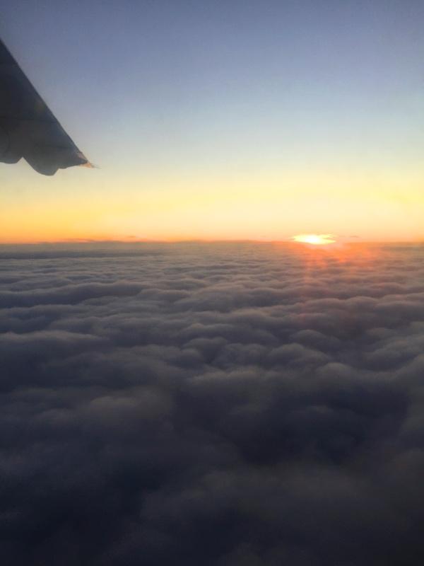 Bild från november 2016. Obligatorisk flygplansbild. Vi flög från Åbo till Vuokatti. Att se solen efter veckor av kaamosmörker var ett välbehövligt underverk.
