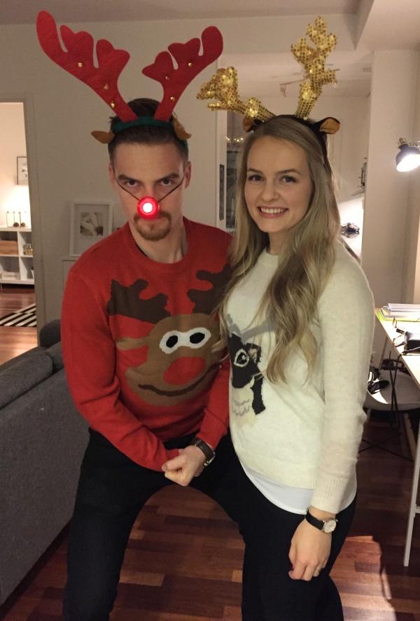 Bild från december 2016. Min Samuel och jag på väg på ugly sweater party!