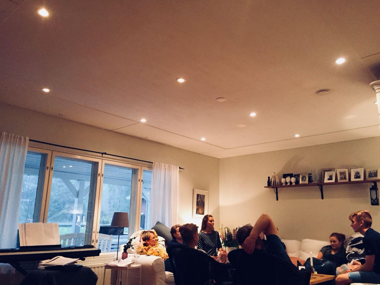 Familjechill i Rödsö på midsommarafton