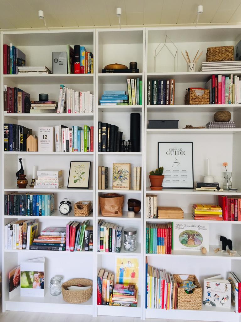 Min bokhylla. Gör mig alltid lika glad.
