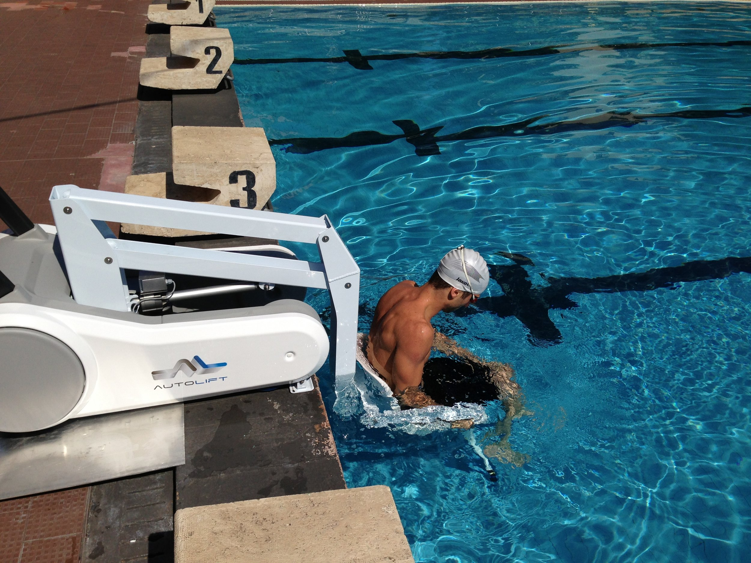 i-Swim Portable Pool Lift