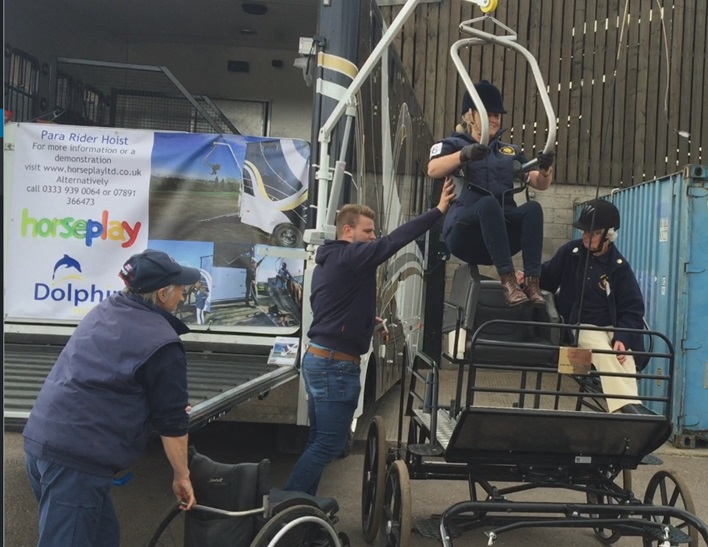 Riding Hoist for Horse Carriage