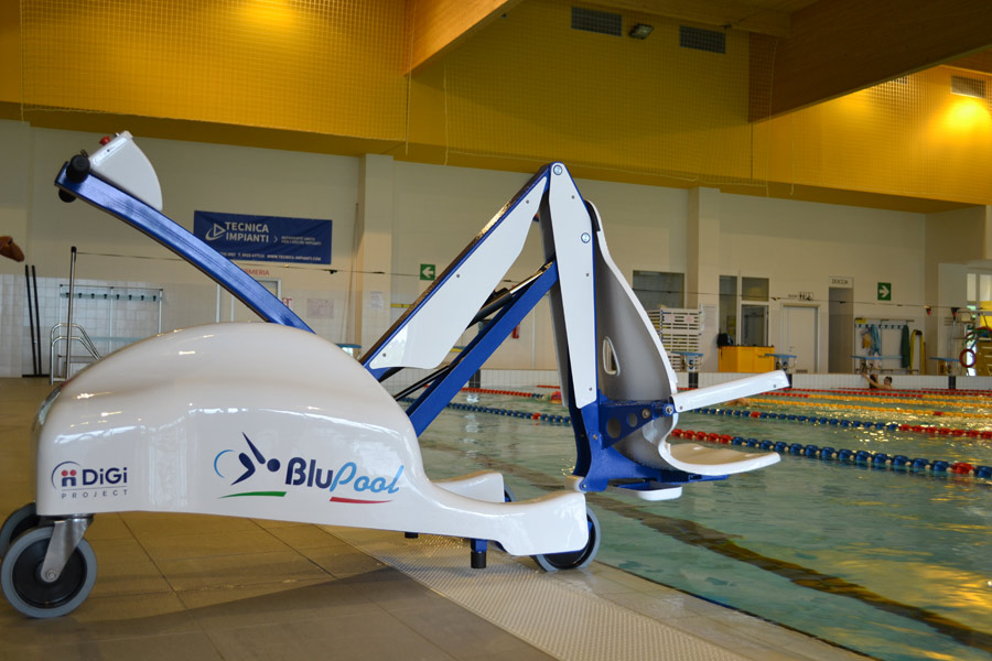 dolphin-mobility-swimming-pool-chair-lift.jpg