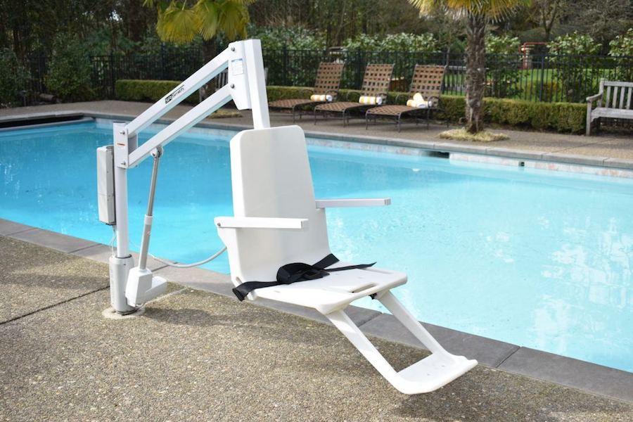 RMT-aXs2-Budget-Pool-Hoist.jpg