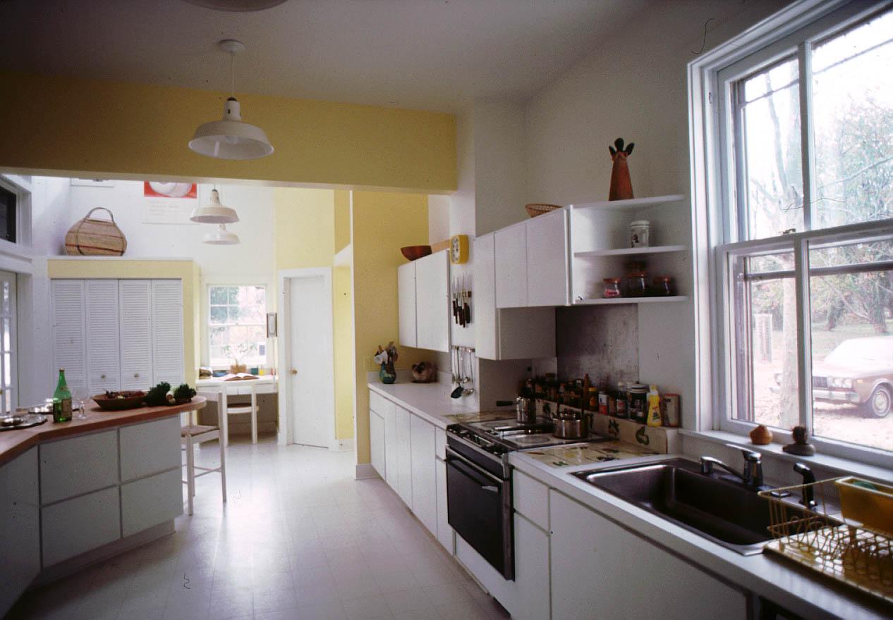 KitchenSouth.jpg