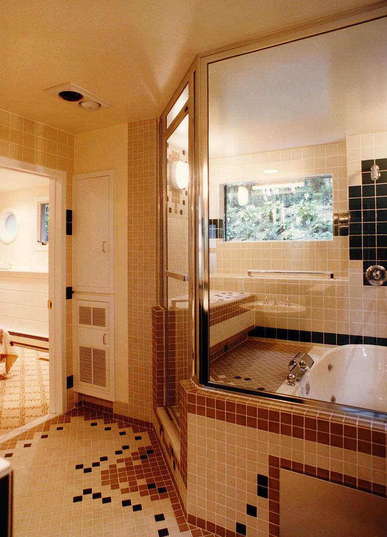 0012 BathShowerSteam.jpg