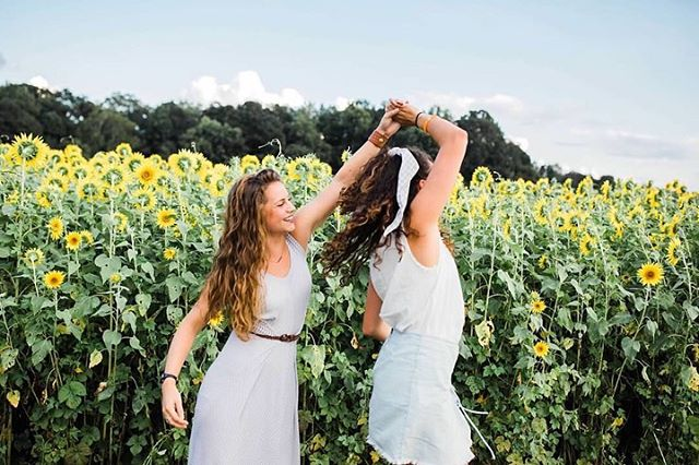 HAPPY BIRTHDAY CHASE!!! If this picture doesn't explain us I don't know what does. Dancing and sunflowers! Sunflowers are your favorite and it makes sense, because you are so bright, happy, you stand tall and confident in who you are, you're beautiful, you LOVE the sun, and everyone loves you :) I seriously couldn't do life without that sunflower, so thank you for being you 💛 now go have the best birthday ever!!!