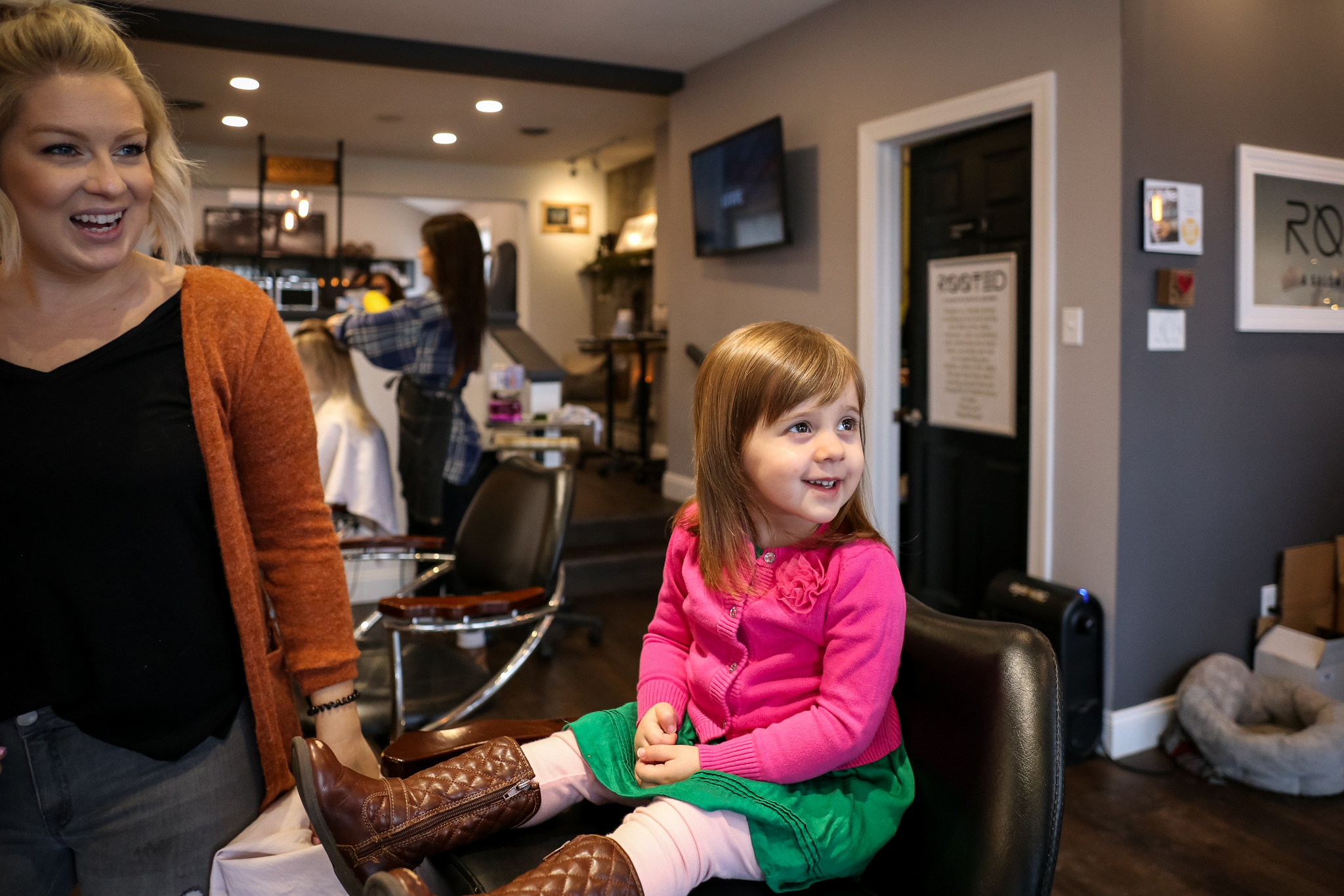 This day in the life photography session led us to the salon in Allentown, PA, where this three year old little girl received a new haircut she loves.