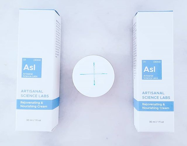 When does 1+1=-25%???? When you order the ASL cream for you and share the discount with a friend. Head over to www.artisanalsciencelabs.com to get your discount! Share the love... And skincare secrets! #artisanalsciencelabs #summerskin #sharethelove #loveyourskin
