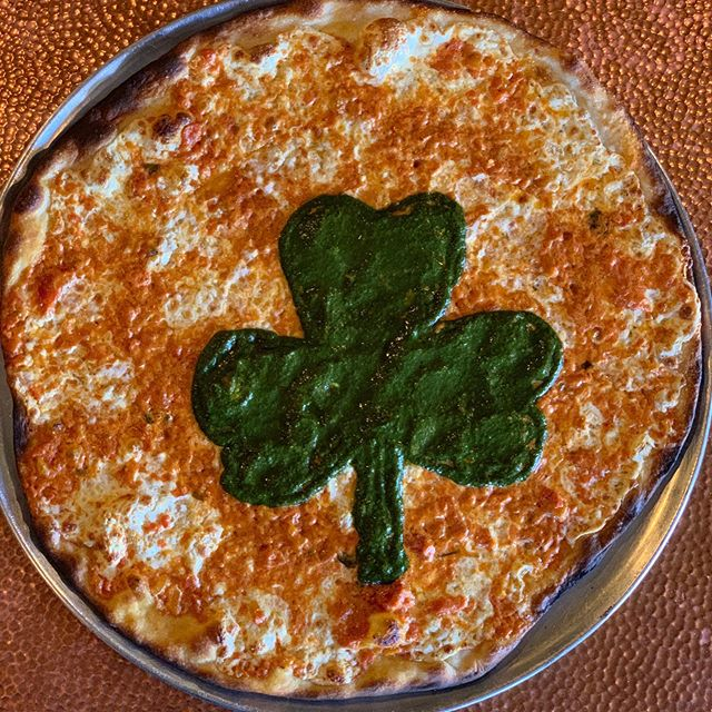 May the wind always be at your back, and pizza on your plate. ☘️☘️ Happy St. Patricks Day!! #joeandpats