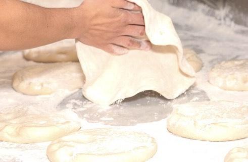 Watch how it's done🍕👀 #nycpizza #joeandpatspizza #joeandpats #joeandpatsnyc