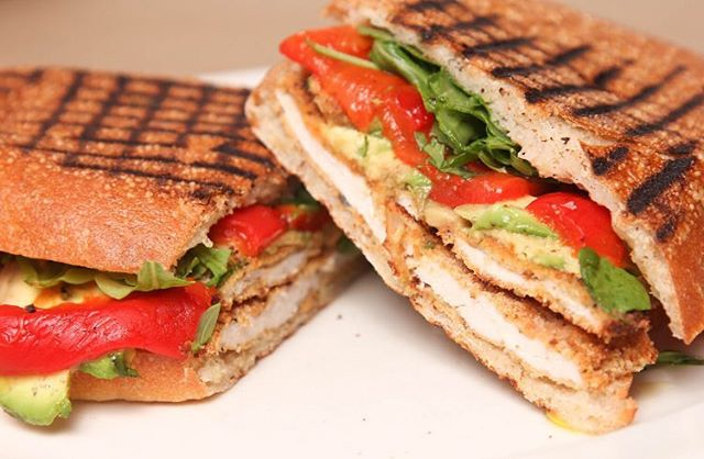 Grab one of our many paninis😍 #panini #joeandpats #joeandpatsnyc #nycpizza . 🍕 🍕 🍕 Photo: Grilled chicken, roasted peppers, tomatoes, avocado + baby spinach panini