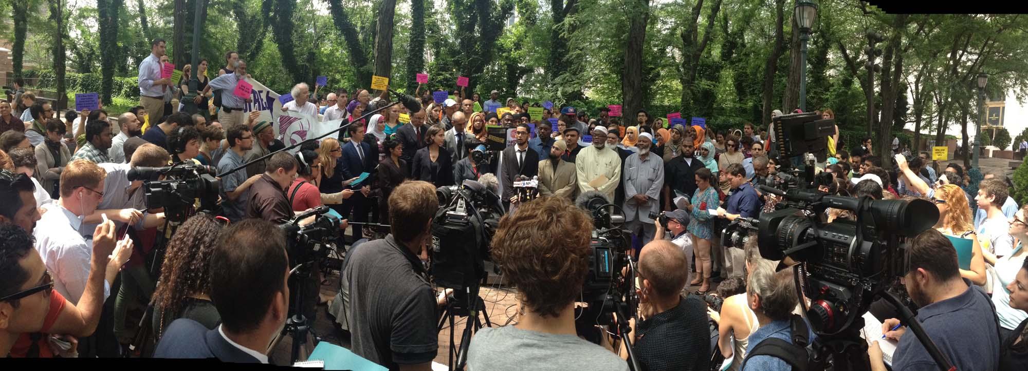Press conference panoramic hi res.jpg