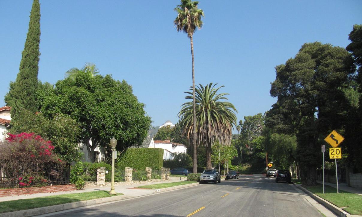 Los Feliz Los Angeles Fence Builders.png