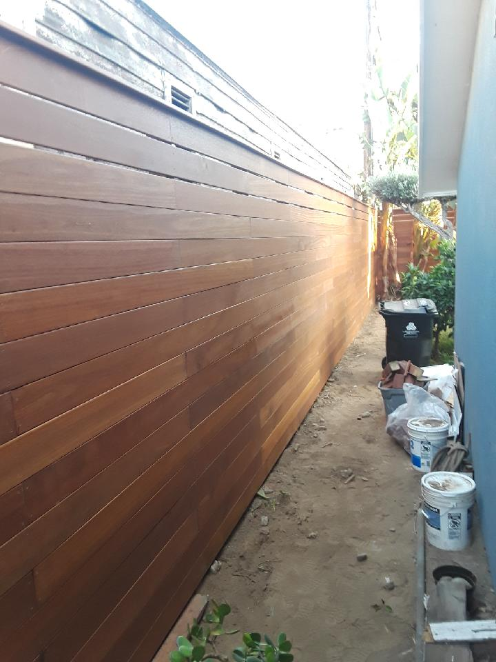 Los Angeles Fence Builders Redwood Horizontal .JPG