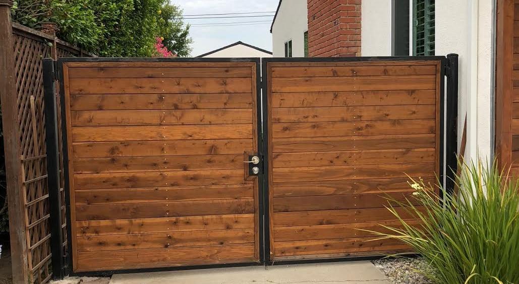 LA Fence Builders Driveway Gate.jpg