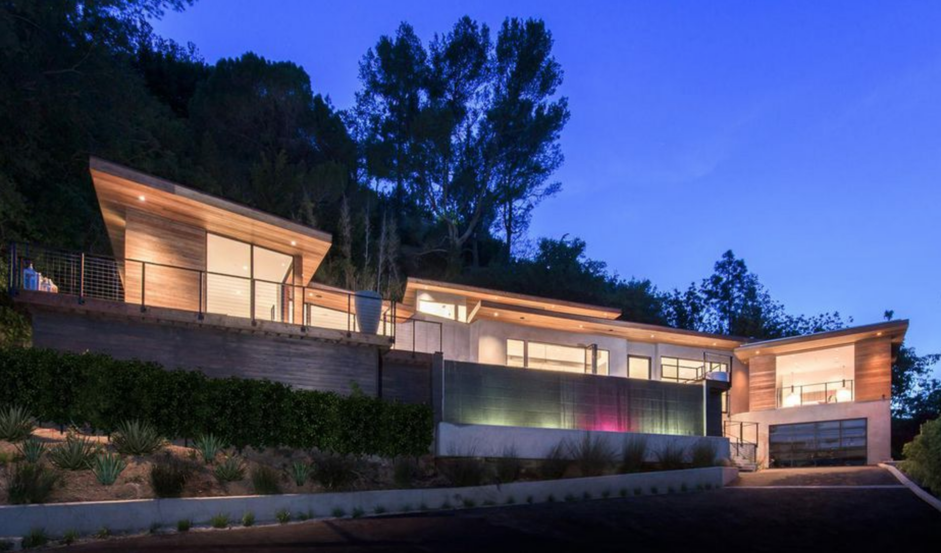 LA Fence Builders Beverly Glen.png