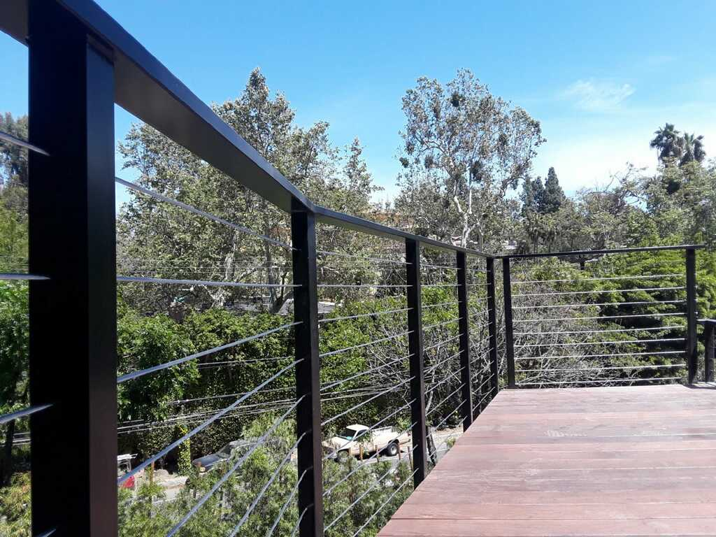 Cable Wire Los Angeles Fence Builers.JPG