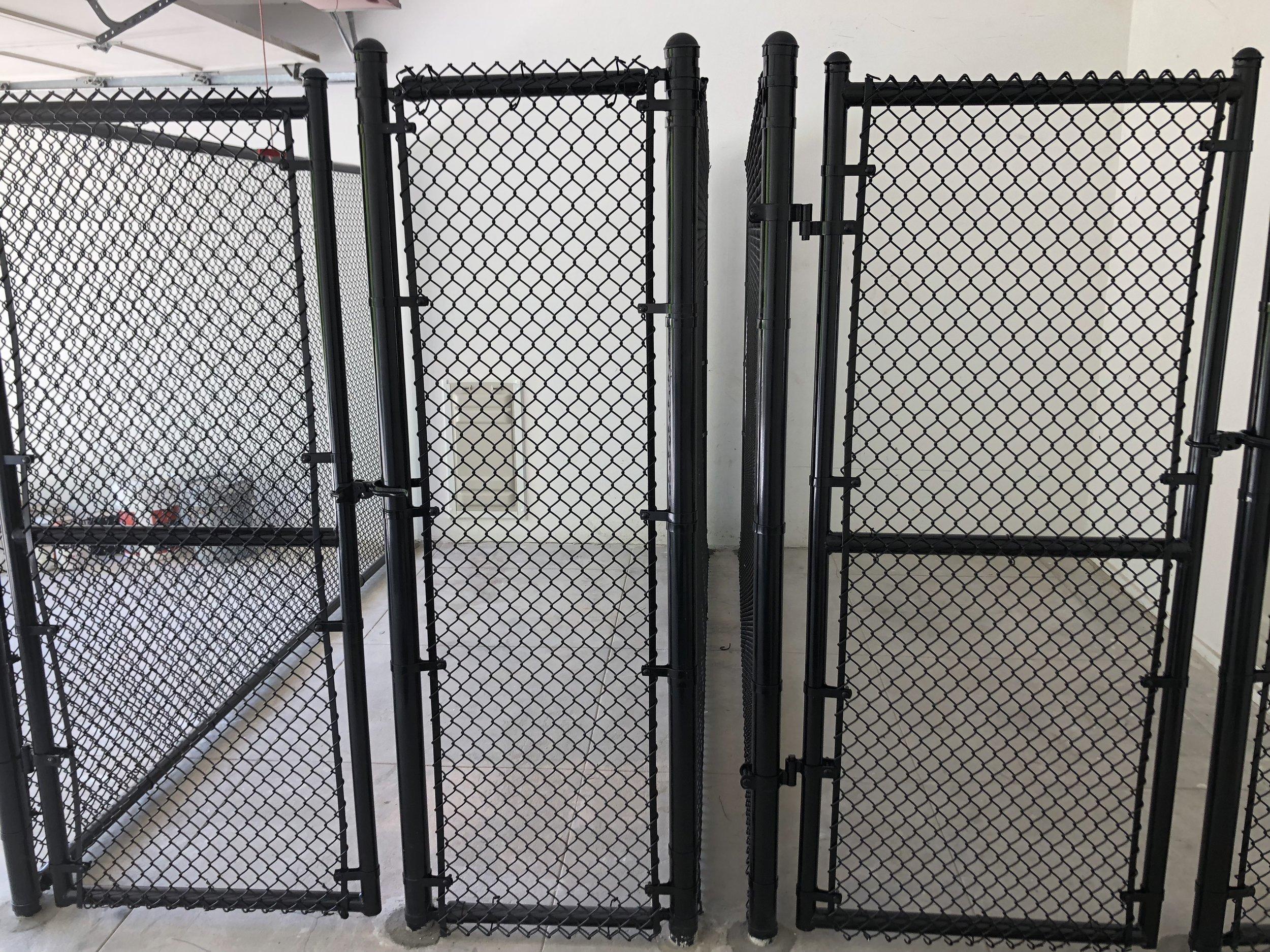Black Vinyl Coated Chain Link Los Angeles Fence Buiders.jpeg