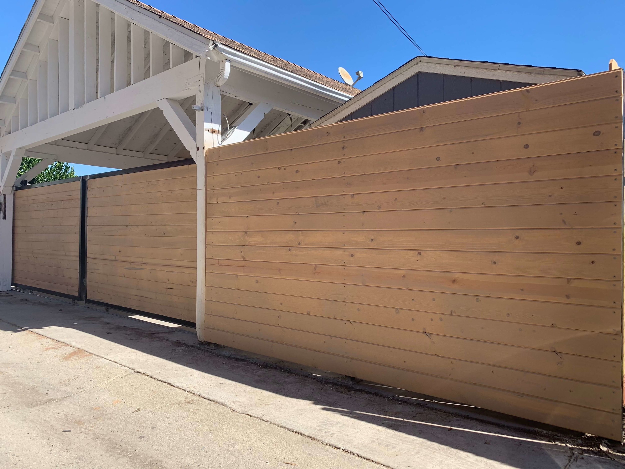 Horizontal Fence Los Angeles fence Builders copy.jpeg